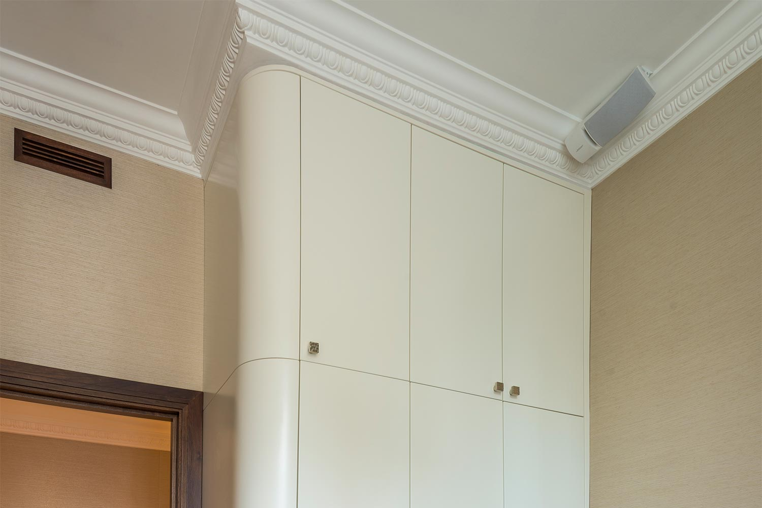 made-to-measure corner wardrobe